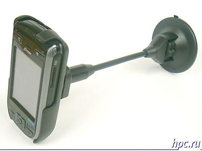 E-Ten G500 в автомобильном держателе