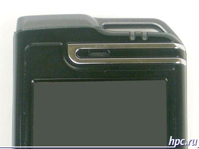 Mio A700: над экраном - индикаторы, телефонный динамик