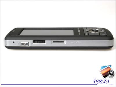 Gigabyte GSmart MW700: отверстие перезагрузки, кнопка камеры, колесико, слот для microSD